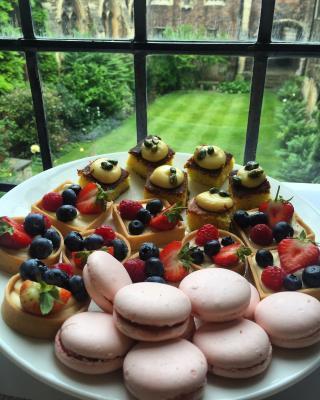 Graduation garden party desserts