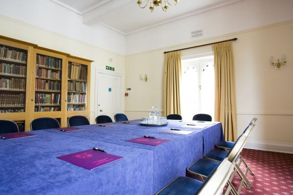 Meeting Room I4 | Boardroom style