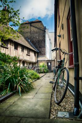 15th century Botolph Lane hostel, photo by Songyuan Zhao