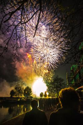 Students watching fireworks at Leckhampton. Photo by Xiaoye Chen